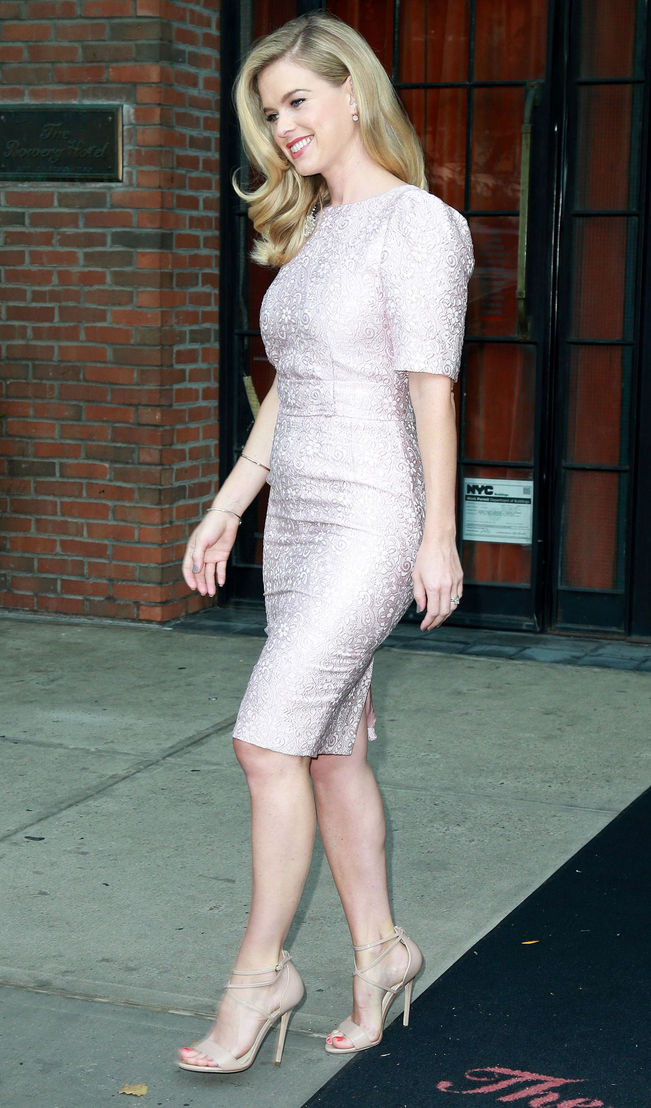 Alice Eve Style Leaving Her Hotel In Nyc August 2015
