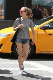 Amanda Seyfried - Out With Friends in NYC, August 2015
