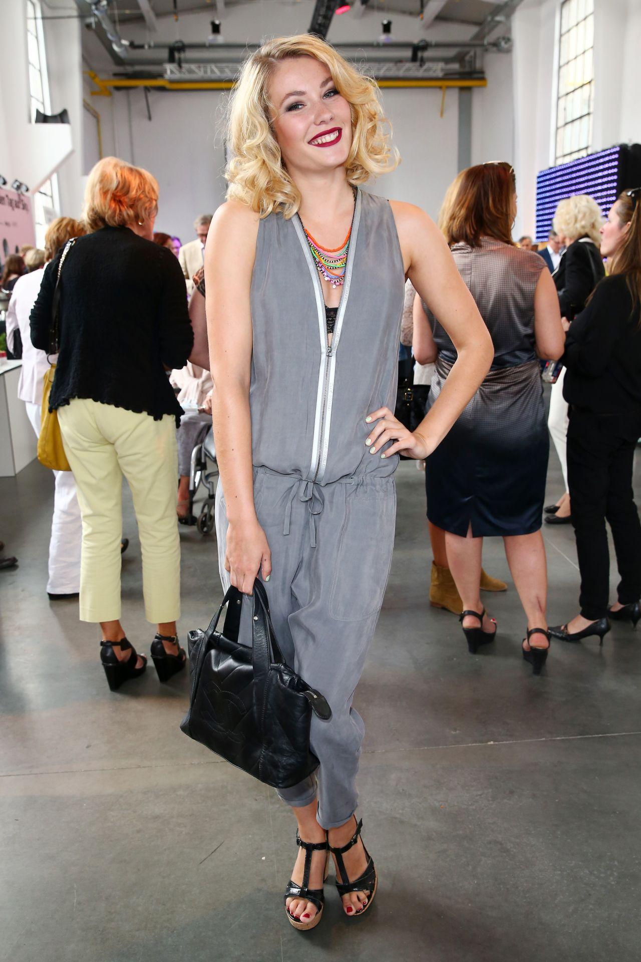 Amelie Klever – Thomas Rath Show During Platform Fashion at Areal Boehler in Düsseldorf