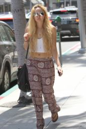 AnnaSophia Robb - Shopping in Beverly Hills, July 2015