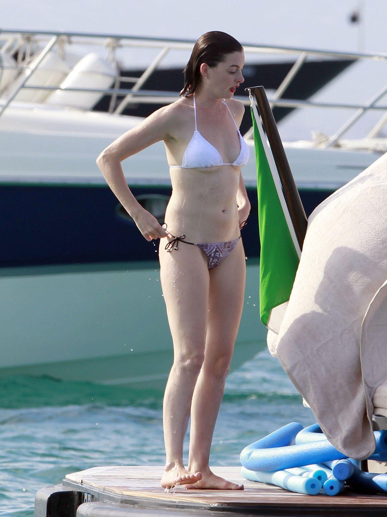 Anne Hathaway odia que la vean en bikini - Univision