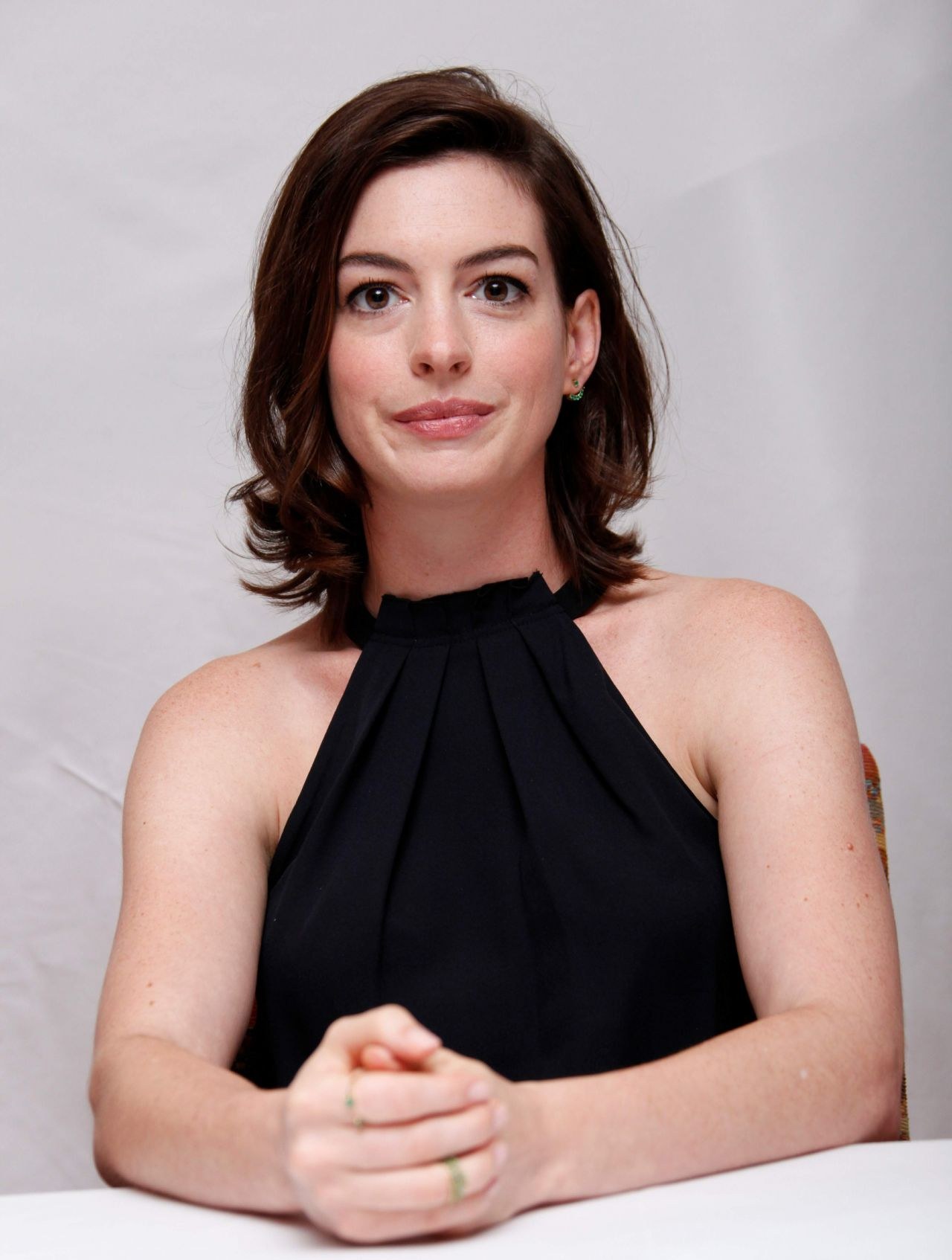 Anne Hathaway – 'The Intern' Press Conference, August 2015