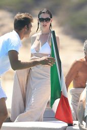 Anne Hathaway Wearing a Bikini in Ibiza, August 2015
