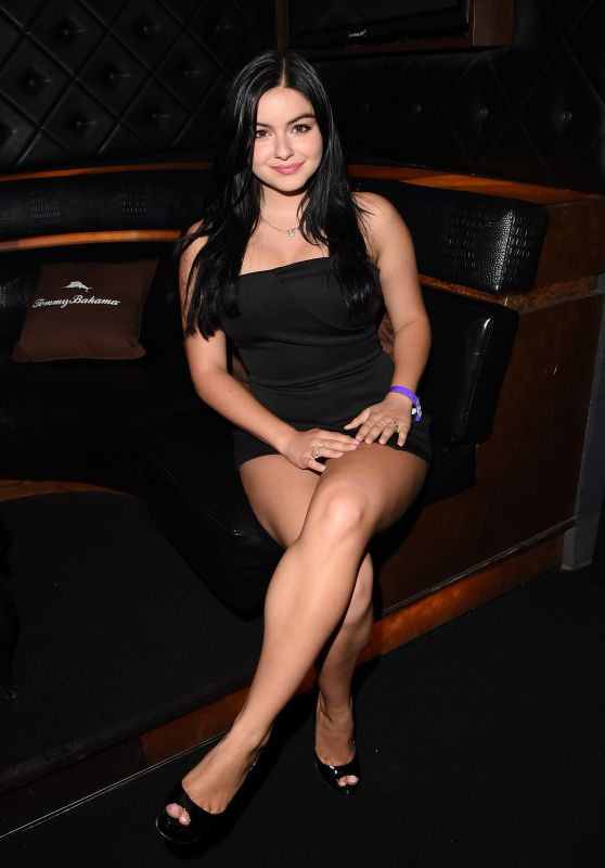 Ariel Winter - Tommy Bahama Hosts Private Event For Taylor Swift Concert in Los Angeles