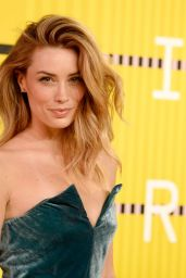 Arielle Vandenberg – 2015 MTV Video Music Awards at Microsoft Theater in Los Angeles