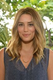 Arielle Vandenberg – KEEP Collective Accessories Social To Benefit The Kind Campaign in Los Angeles