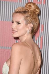 Bella Thorne – 2015 MTV Video Music Awards at Microsoft Theater in Los Angeles