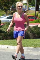 Britney Spears Shows Off Her Legs in Blue Shorts - Westlake Village, August 2015