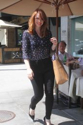 Bryce Dallas Howard Casual Style - Shopping in Beverly Hills, July 2015