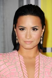 Demi Lovato - 2015 MTV Video Music Awards at Microsoft Theater in Los Angeles
