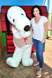 Demi Lovato - Celebrates Her Birthday at Knott