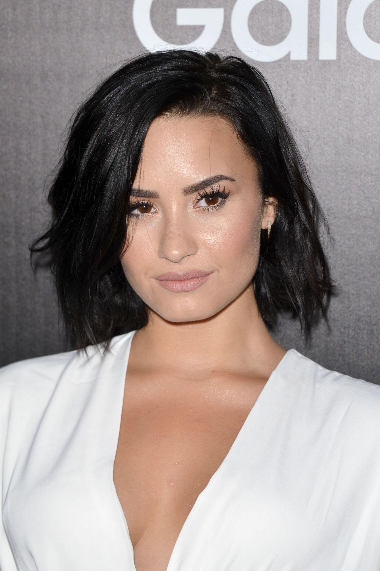 Demi Lovato - Samsung ...
