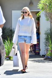 Elizabeth Olsen - pre Teen Choice Awards 2015 Gifting Suite in Brentwood