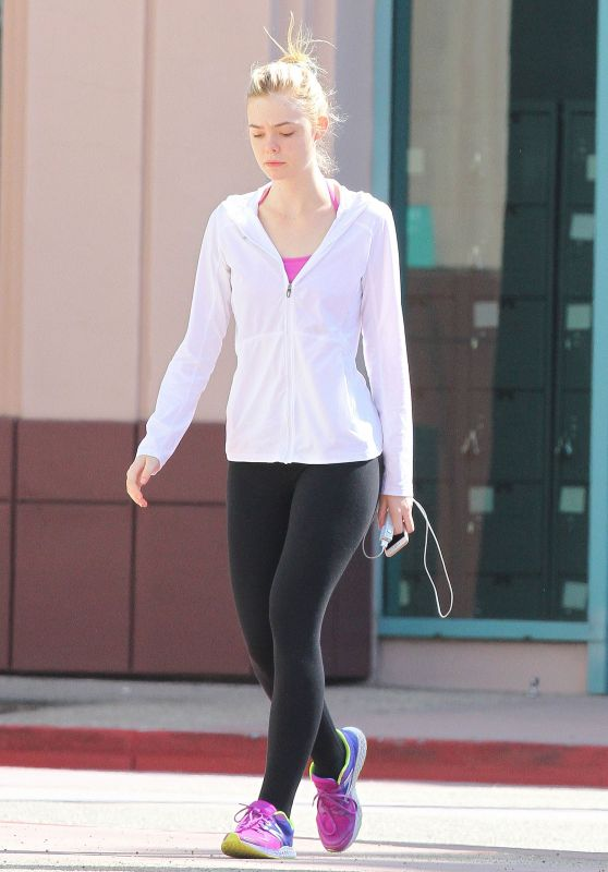 Elle Fanning Leaving Gym in Los Angeles, August 2015