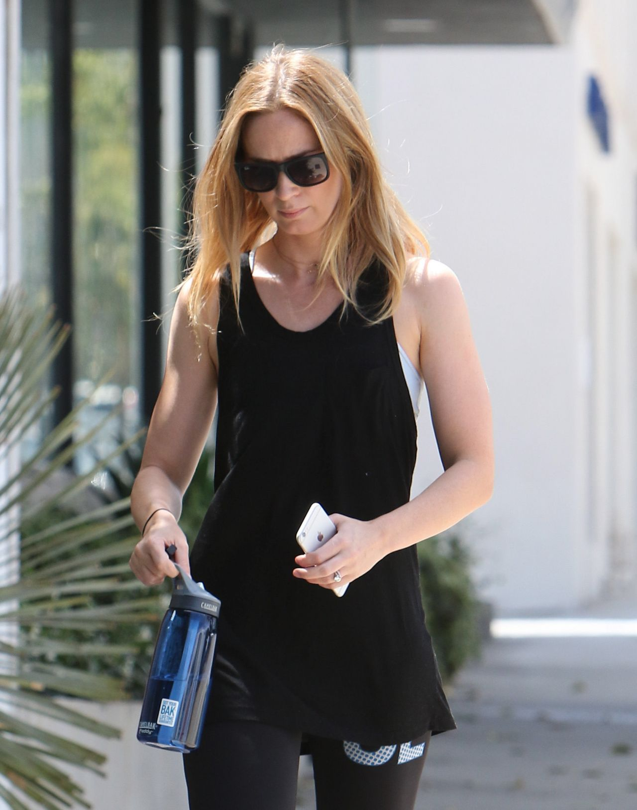 Emily Blunt In Leggings Going To Gym In West Hollywood