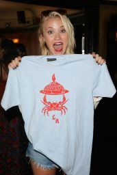 Emily Osment - Crab Cake LA in Los Angeles, August 2015