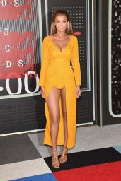 Gigi Hadid – 2015 MTV Video Music Awards at Microsoft Theater in Los Angeles