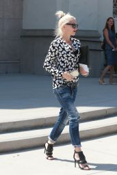 Gwen Stefani - Out in Universal City, August 2015