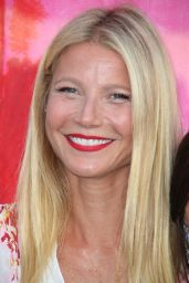 Gwyneth Paltrow Summer Style - Pink-Sunset Cocktail Party in Bridgehampton