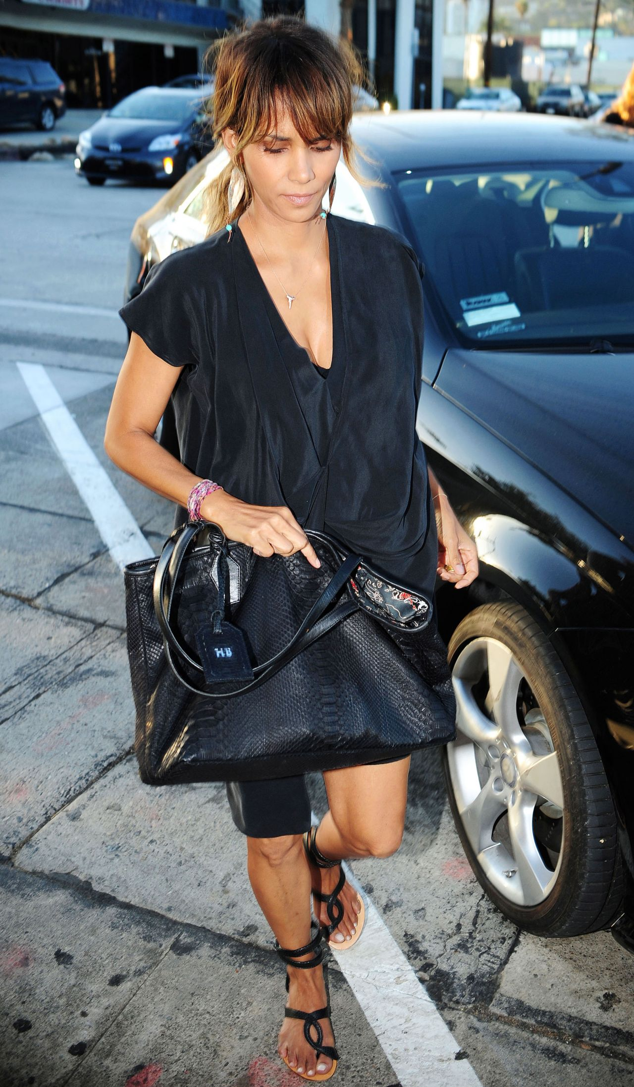 Halle Berry Craig S Restaurant In West Hollywood August