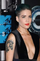 Halsey – 2015 MTV Video Music Awards at Microsoft Theater in Los Angeles