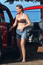 Helen Hunt Surfing in Hawaii, August 2015