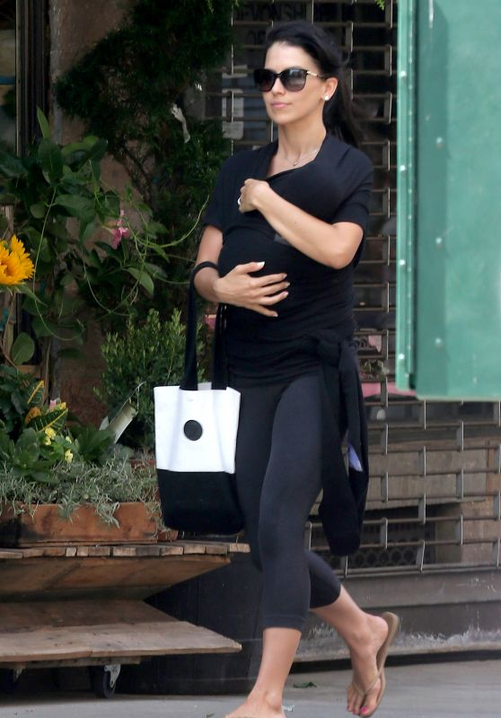 Hilaria Baldwin - wwalks back Home With New Born Baby in New York City, July 2015