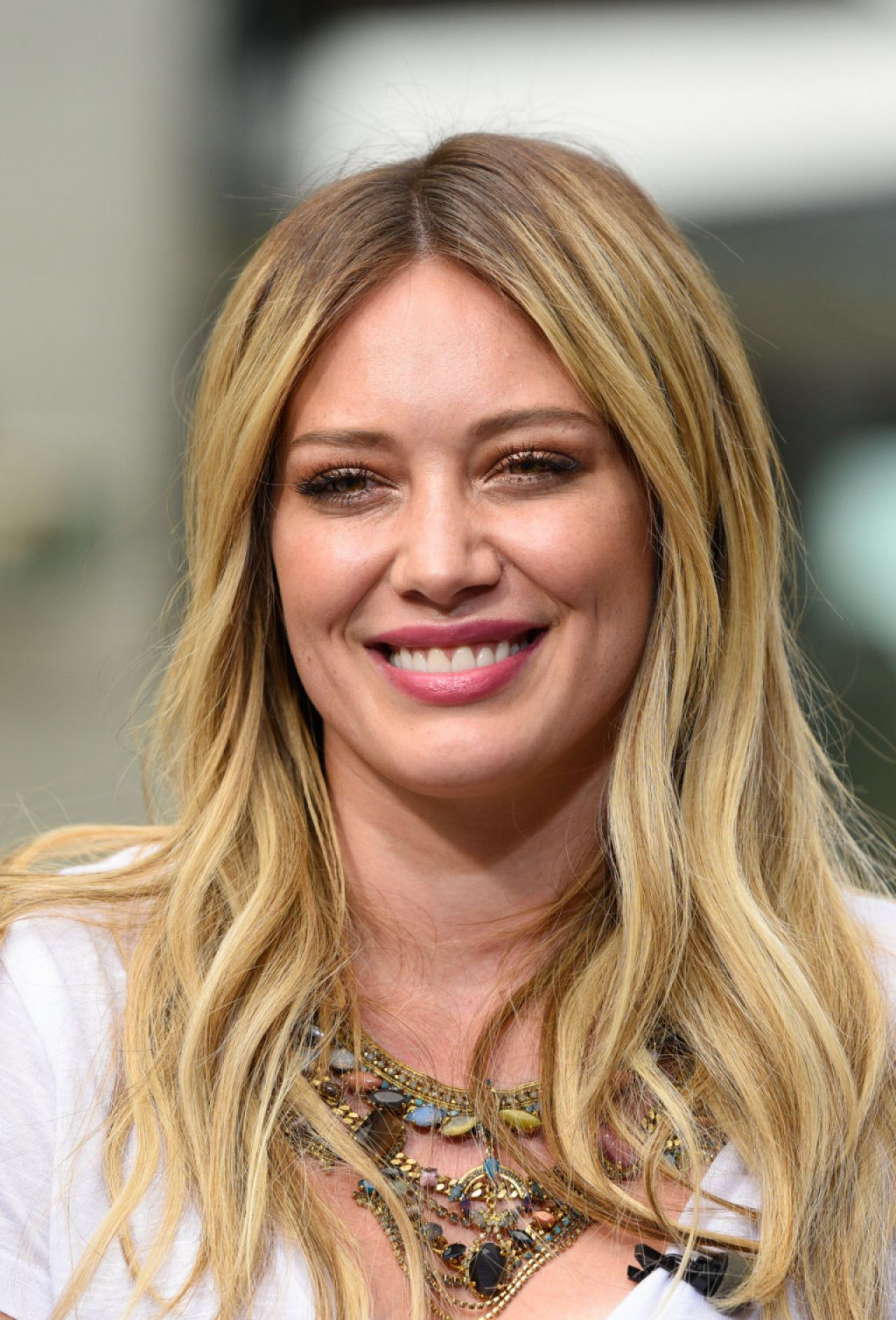 Hilary and Haylie Duff at 'Extra' in Universal City ...