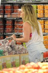 Hilary Duff - Grocery Shopping in Los Angeles, August 2015