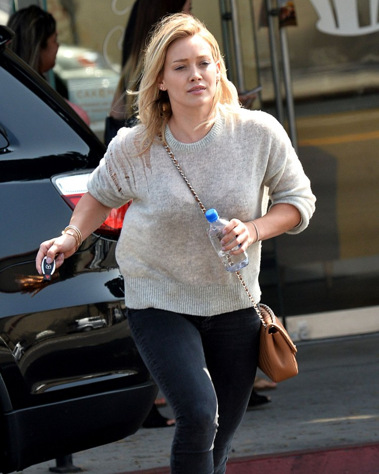 hilary-duff-out-in-los-angeles-august-2015_2