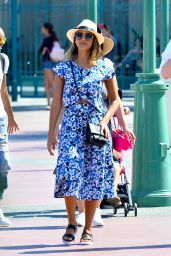 Jessica Alba Summer Style - Disneyland in Anaheim, August 2015