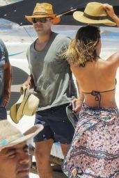 Jessica Alba Wearing a Bikini at a Beach in Cancun, August 2015