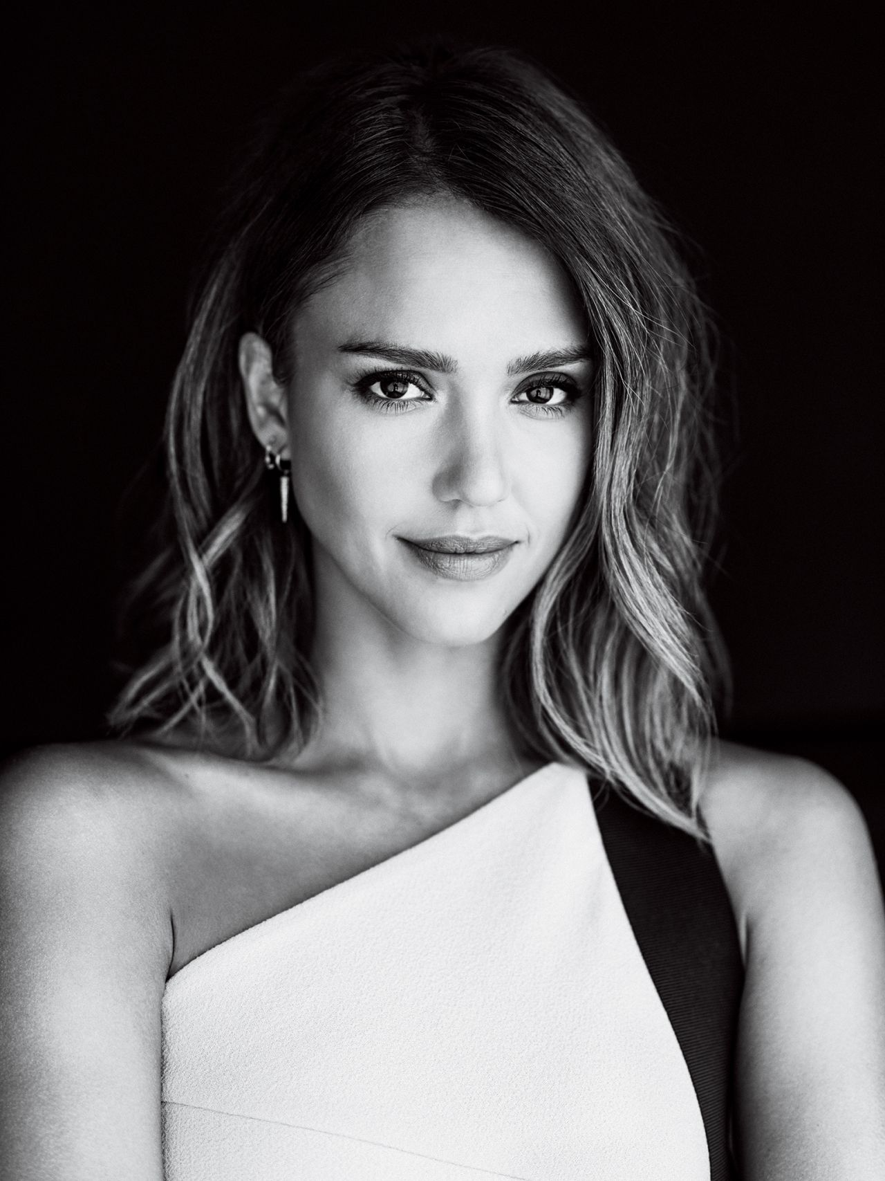 Jessica Alba – WWD Magazine August 2015