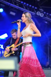 Joss Stone - Performing at CarFest North in Cheshire, August 2015