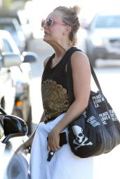 Kaley Cuoco - Out in Studio City, August 2015