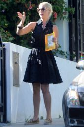 Katherine Heigl at the Granville Cafe in Studio City, August 2015