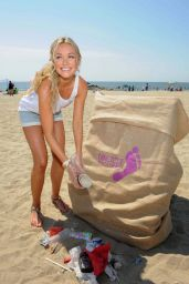 Katrina Bowden - Wine Beach Rescue Project at Rockaway Beach, August 2015