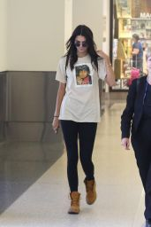 Kendall Jenner Airport Style - LAX, August 2015