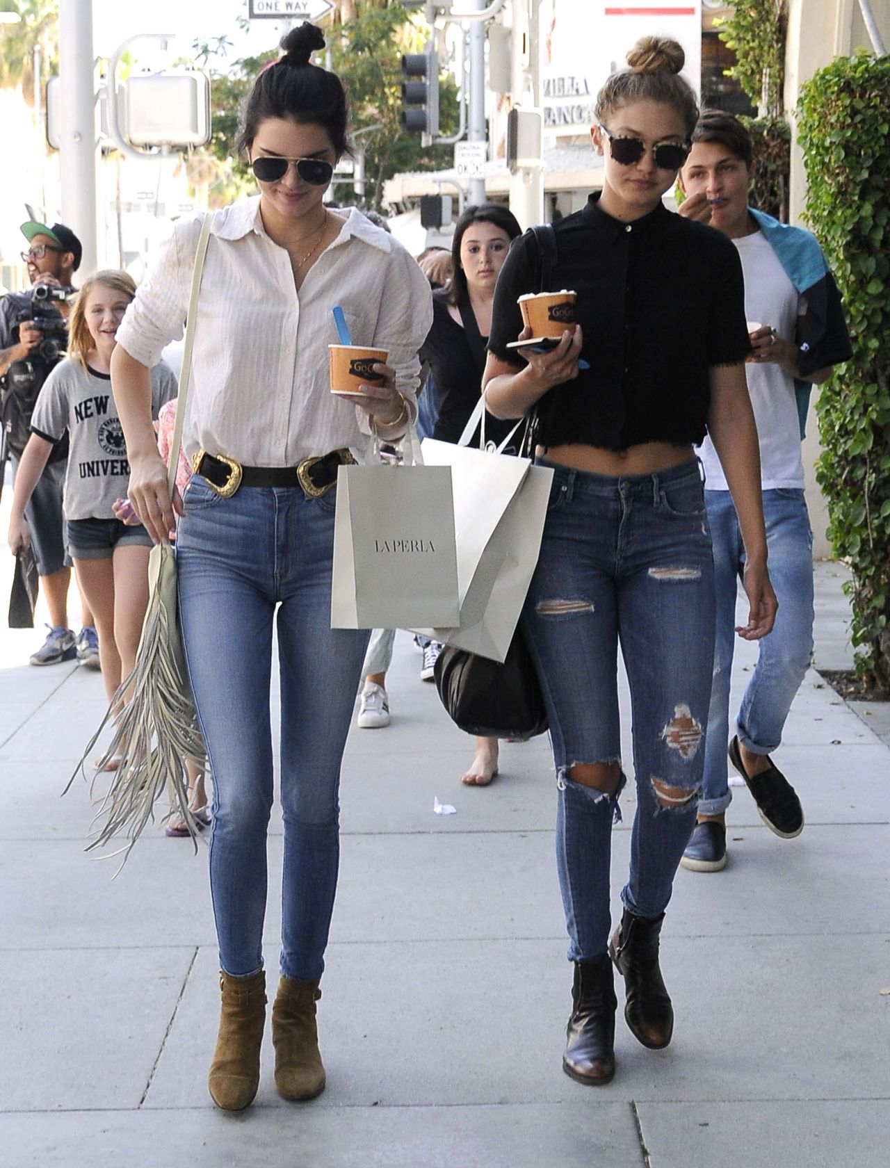 Kendall Jenner Amp Gigi Hadid Casual Style Out And About