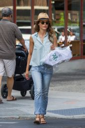 Keri Russell Leaving a Dry Cleaners in Brooklyn, August 2015