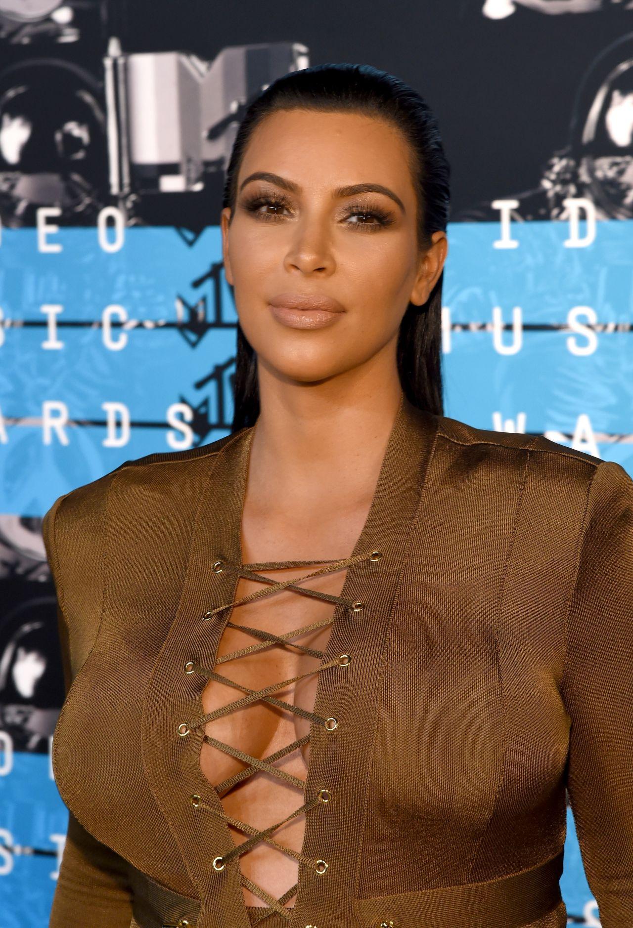 Kim Kardashian – 2015 MTV Video Music Awards at Microsoft ... Kim Kardashian