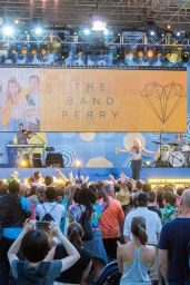 Kimberly Perry - The Band Perry Perform on