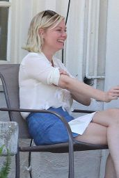 Kirsten Dunst - Having Lunch With a Friend in Los Angeles, August 2015