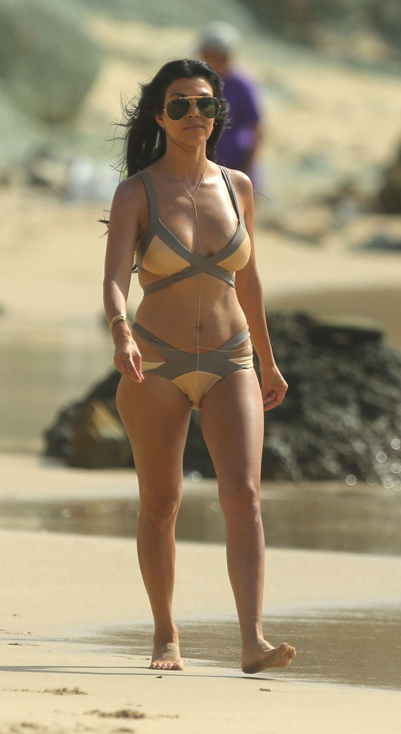 Bikini Kardashian 119