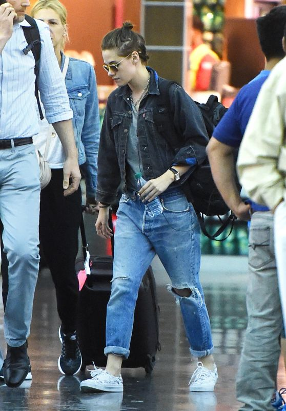 Kristen Stewart - at JFK Airport, August 2015