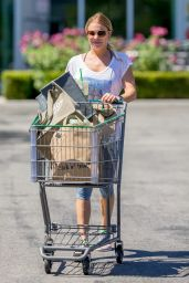 LeAnn Rimes Grocery Shopping in Los Angeles, August 2015