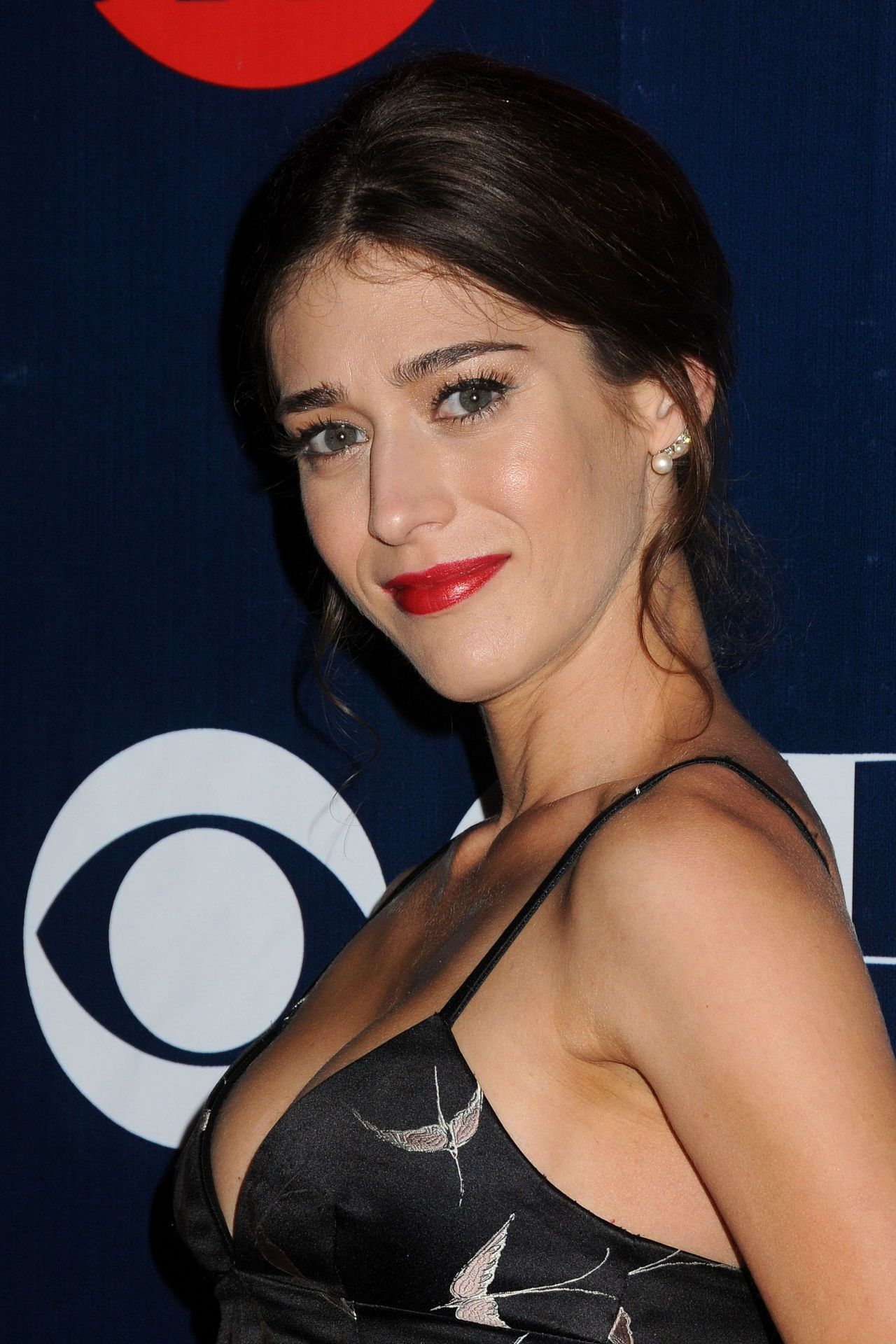 Lizzy Caplan 2015 Showtime Cbs Amp The Cw S Tca Summer