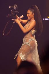 Nicki Minaj Performs at Pinkprint Tour in Vancouver, August 2015