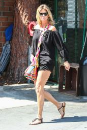 Rachel Hunter Shopping at Bristol Farms in West Hollywood, August 2015