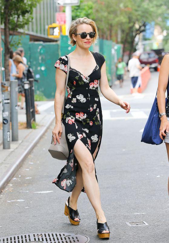 Rachel McAdams Summer Style - Enjoying the Nice weather in SoHo, NY, July 2015